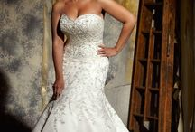 CURVY GIRLS BRIDAL DRESSES / by Avenue 22 Bridal