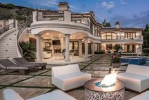 100 Luxury Homes in Los Angeles / Get inspired by Los Angeles vibrant luxury mood. On the following pages you will find outstanding projects and desirables home designs by the best interior designers and design brands.  Fall in love with this LA pinch of inspiration. The beginning of a love story with this innovative city of angels.