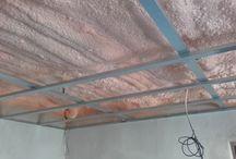ZATEPLENÍ STROPU / CEILING INSULATION / Stříkaná pěnová izolace: otevřená struktura buněk EXY 09  Spray foam insulation: open cell foam EXY 09