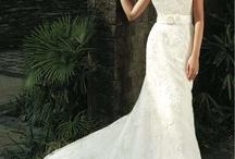 Intuzuri Atlanta and Augustine wedding dress with hair accessories / www.lhgdesigns.co.uk