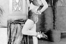 Alberta Vaughn / Alberta Vaughn (June 27, 1904 – April 26, 1992) was an American actress in silent motion pictures and early Western sound films.