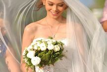 Beach Wedding Dresses / Going to have your big day spending near a beach romantically? Simple and Casual Beach Wedding Dresses Cheap, made of chiffon, lace, jersey, etc.