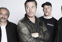 Faith No More / I Faith No More sono un gruppo Alternative Metal statunitense fondato nel 1982. Originario di San Francisco, il gruppo si è sciolto nel 1998 e riunito nel 2009, dopo 11 anni di inattività.