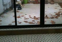 Carreaux de ciment - vérandas et extérieurs / Du caractère grâce aux carreaux de ciment dans vos vérandas et sur vos terrasses. Attention néanmoins à ne pas les poser en extérieur dans les régions soumises au gel.