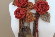scarves, cowls, shawls and wraps / Knitted and crocheted wraps