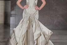 Glamorous Gowns / by Carrie Critton