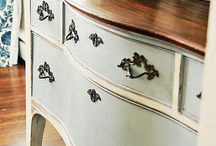 Chalk Paint® decorative paint by Annie Sloan / The best paint in the world........French inspired colours for furniture, cabinets, and much more.
