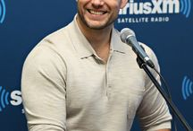 POPSUGAR / 18 Henry Cavill Smiles That Are Worth the Wait