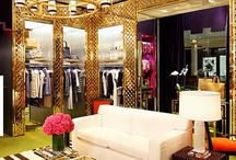 Super Luxe Interiors / Fancy, glitzy interior style walk in wardrobes