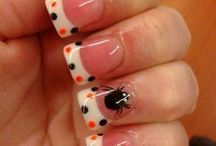 nails / by Rachael Linville