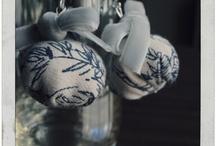Alfiler de Perlas / Joyería textil que cuenta historias. Prendas de mujer y accesorios.