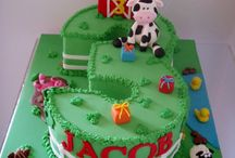 cakes / by jacki anderson