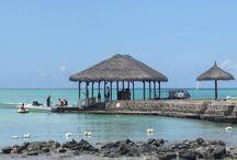 Mauritius Travel / Mauritius is an amazing island in Indian Ocean, known for its beaches, lagoons and reefs. That place is perfect for your dreams vacation and looks like Paradise! Mauritius este o insulă uimitoare din Oceanul Indian, cunoscută pentru plajele sale, lagunele și recifele de corali. Acest loc este perfect pentru vacanța visurilor tale și arată ca Paradisul! https://www.haisitu.ro/oferte-mauritius-ta135