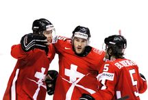Short'o Folio – Swiss Ice Hockey / Complete redesign of Switzerland's National Ice Hockey League for it's 100th anniversary. Everything had to be rethought. From corporate identity and brand guidelines down to the visual identity of the Swiss National Team including branded environments and national games' communication.