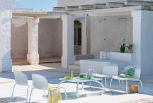 Nardi - Italský výrobce zahradního nábytku / Kvalitní a špičkový design a elegantní vysokozátěžový zahradní nábytek. Hledáte originální nábytek na zahradu, nebo potřebujete vybavit wellness centrum kvalitními lehátky. Italský výrobce Nardi vyrábí sety nábytku z vysoce jakostních plastů nebo kombinace plastu a hliníku. Díky pohodlnému nábytku si báječně odpočinete jak na zahradě pod pergolou, tak i na terase nebo u bazénu.