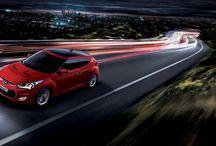Hyundai Veloster i Veloster Turbo / Rzucający się w oczy, Veloster Turbo niezawodny na każdym kroku. Niskie zawieszenie, szeroki rozstaw osi, heksagonalna osłona chłodnicy oraz układ lamp przednich - wszystkie te elementy emanują nowoczesnym stylem.