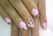Things to Wear / Lovely Nails