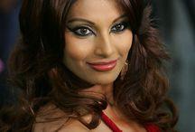 Bollywood Gossips / Bollywood Gossips