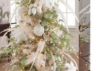 The Magic of Christmas / Pinning all things beautiful and festive to fill my heart with the spirit and joy all holidays should bring / by Susan Williams