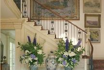 Project House: Entrance hall / I love the flowers