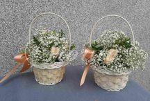 Букет невесты с использованием бувардии / Букет невесты из роз, фрезий и бувардии, букеты для мам из роз, корзинки для маленьких подружек невесты, украшение свадебного автомобиля, бутоньерки жениха и свидетелей