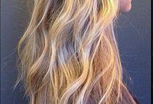 Hair Stylin' / by Rachel Nisbet
