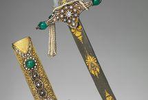 Decorative Arts / Textiles, pottery, metal, glass...