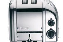 Dualit / Echt vakmanschap Iedere toaster uit de NewGen en Vario serie wordt nog handgemaakt in Engeland en daar is Dualit uiterst trots op. Elke toaster is voorzien met de code van de maker. Selecteer alleen de sleuven die verwarmt dienen te worden door de schakelaar naar II of I te draaien. Doordat de diverse onderdelen te vervangen zijn, waaronder de elementen en timer, gaan de Dualit NewGen toasters een levenlang mee. De onderdelen zijn zelfs geschikt voor de oudere NewGen en Vario types.
