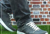 Erkek Spor Ayakkabı / Şıklığı kadar rahatlığına da önem veren erkekler için en rahat erkek spor ayakkabıları en uygun fiyatlar ile renkliadim.com'da