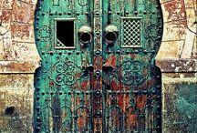 Wonder door