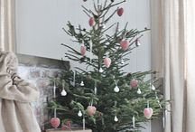 Rustic Christmas / Pared Down Holiday Decor