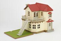 Sylvanian Families Miejski Domek z Oświetleniem / Wyjątkowe zabawki dla dzieci marki Sylvanian Families