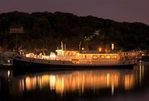 Hotel / Loftboot de Mizar. / Op de luxe en volledig ingerichte #hotelboot 'de Mizar' kunnen #hotelovernachtingen geboekt worden in #Rotterdam. De Mizar is uitermate geschikt voor stelletjes, expats of gewoon als alternatief voor een hotel. Voor unieke overnachtingen met een nautisch tintje kunt u bij dit schip terecht.