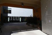 Museo delle Culture extra europee MUDEC di Milano / il Museo delle culture extra europee di Milano, ha avuto un percorso sofferto durato 15 anni a partire dagli anni Novanta ed una spesa si oltre 60 milioni di euro. Il progetto è dell'architetto inglese David Chipperfield, che vinse il concorso internazionale allora appositamente predisposto.