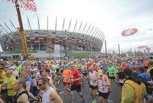 ORLEN Warsaw Marathon / ORLEN Warsaw Marathon to największa impreza biegowa w Polsce, która odbywa się pod hasłem Narodowego Święta Biegania. Wydarzenie zadebiutowało w 2013 r. i od pierwszej edycji organizowane są aż trzy główne biegi: maraton, bieg na dystansie 10 km oraz charytatywny marszobieg.