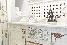 styling in chippy farmhouse white
