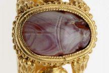 Šperky z dávné historie