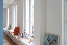 Bay window salon