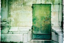Doors ... Dveře / Door... anywhere...