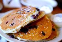 Classic American Pancake Recipes / Classic American Pancakes - Recipes for pancakes based on the classic US pancake recipe.
