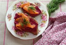 Starters / Beetroot and walnut pâté with smoked salmon on soda bread.