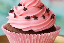 cupcakes / by Danielle Ethier MacDonald