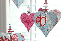 Button valentine hearts to hang / Craft paper