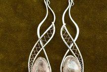 šperky ( kov, korálky)