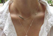 dainty necklaces / by Djali Silva