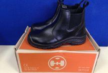 Sepatu Safety Shoes Dr OSHA / Sepatu safety untuk kalangan profesional. Terbuat dari Kulit kualitas terbaik, ini adalah pendamping sempurna untuk para pekerja dan pengendara yang aktif. Lindungi selalu diri Anda dengan sepatu safety terpercaya. Sangat cocok digunakan oleh Anda yang bekerja di Proyek, Lab, Kitchen, pabrik. Lets Move!