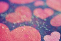 Walentynki / Walentynki (ang. Valentine's Day) – coroczne święto zakochanych przypadające 14 lutego.