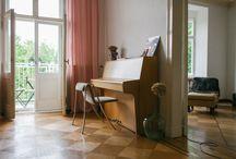 piano / interiér