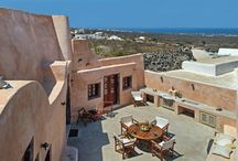 Villa Amalia #Santorini #Greece #Island / Villa Amalia in the island of Santorini is nestled among the historical cave houses along a winding path in the charming medieval village of Finikia. http://www.mygreek-villa.com/fr/rent-villa-search-2/villa-amalia