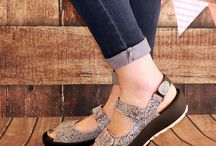 Wolky Sandals / Fabulous comfortable ladies velcro sandals with funky leather uppers and chunky soles.